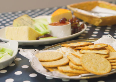 Food_Cheese& biscuits